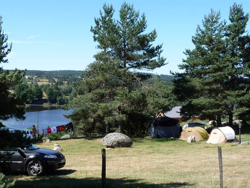 Tentes haut camping vue sur lac web